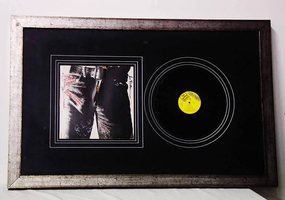 Elpee Rolling Stones getekend door Andy Warhol